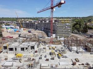 Obr. 3: Bytové domy Espoo, v popředí zahájení výstavby etapy Oulu