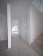 Zapuštěný sokl, Kährs Dub Nouveau Black, zdroj Rezidence Sacre Coeur²