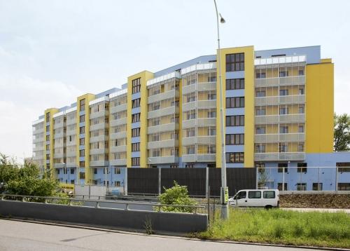 Obr. 2: Bytový dům v Praze na Střížkově