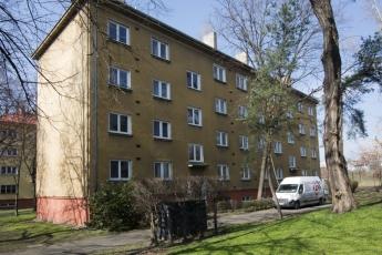 Foukaná izolace CIUR pro komplexní rekonstrukce dvouplášťových střech bytových domů