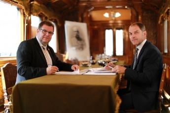 Generální ředitel Národního technického muzea Karel Ksandr a jednatel firmy Lasselsberger, s. r. o., Roman Blažíček