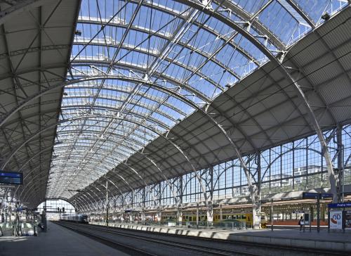 Obr. 4: Rekonstrukce střech nástupišť Hlavního nádraží v Praze