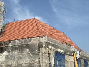 Opravy renesančního zámku ve Staré Vsi nad Ondřejnicí s použitím tašek Bramac
