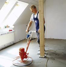 Je-li to nutné, lze povrch potěru v interiéru před pokládáním dlažby a podlahovin zbrousit či vyrovnat Baumit samonivelační stěrkou