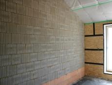 Vnitřní příčky z cihel Heluz Nature Energy zlepší mikroklima interiéru zejména během topné sezóny