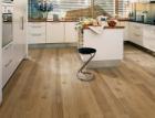 Trendy u podlahových krytin – od nevýznamného prvku skrytého pod kobercem k dominantě interiéru
