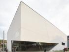 Ve Vilniusu se otevřelo nové muzeum umění navržené Libeskindem