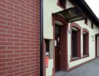Proměna Domu U Čápa ve Stonavě díky imitaci lícových cihel