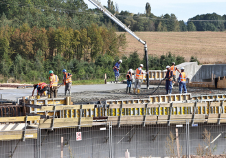 Osvědčený dodavatel betonu pro klíčové stavby v ČR – skupina Českomoravský beton