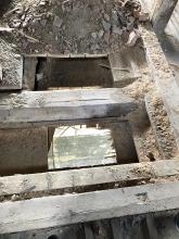 Obr. 1: Odkrytý původní dřevěný strop