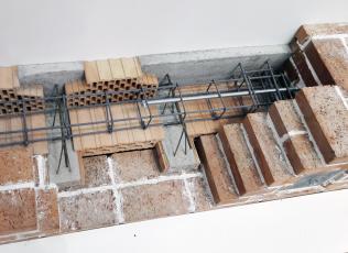 Obr. 19: Závitové tyče a výztuž věnce u stropu MIAKO BNK