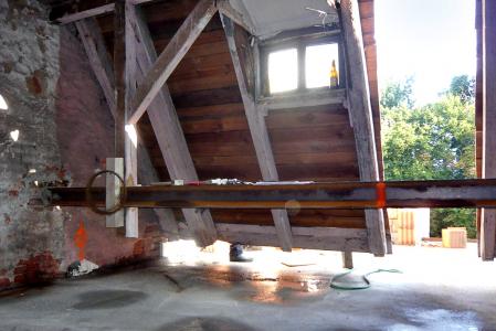 Obr. 21: Strop před betonáží a po ní
