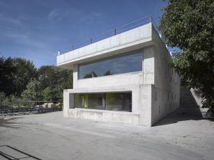 Administrativní budova ve Strančicích