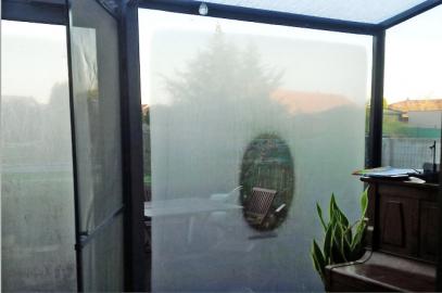 Obr. 2: Rozpínání a smršťování skel způsobené slunečním svitem nebo naopak jeho absencí
