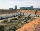 Archeologové odkryli na dvoře Jinonického zámečku vzácnou tvrz ze 14. století
