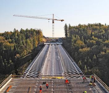 Obr. 8: Závěrečné pole před betonáží mostovky