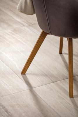 Podlahová série Alba je doplněná o výrobky ve formátech 60x120 cm, popřípadě 80x80 a 40x80 cm