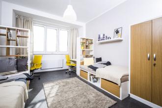 Pokoje pro studenty nabízejí příjemný standard, nábytek se vyráběl na zakázku