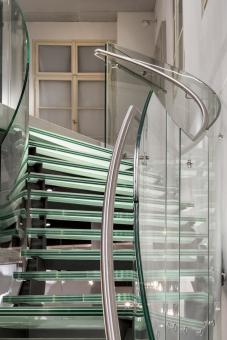 Obr. 14: Detaily schodiště