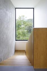 Dřevěné schodiště se podařilo realizovat velmi pěkně, s důrazem na čisté detaily