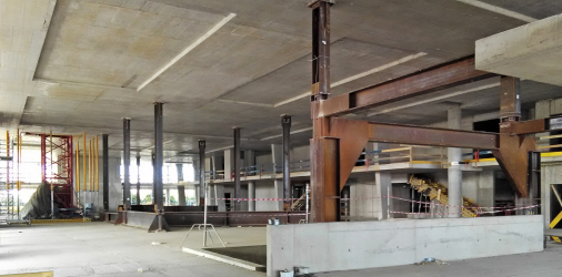 Obr. 8: Dočasná ocelová konstrukce ve 2. NP (konferenční sál)