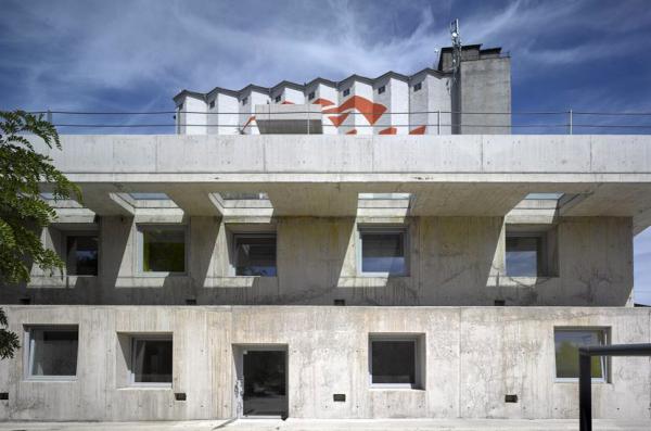 Česká cena za architekturu 2018 – hlavní cena: Administrativní budova ve Strančicích, autor Ing. arch. David Levačka Kraus, Architektura, s. r. o.