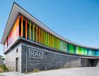 Energeticky úsporná budova institutu RAL se skleněnými lamelami Schüco ALB