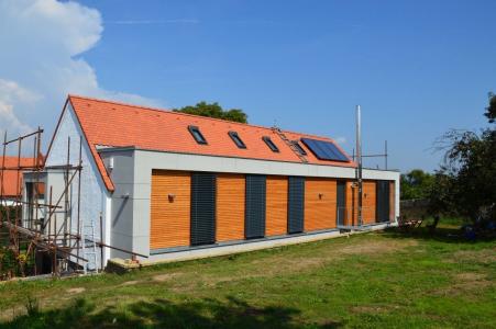 Rekonstrukce chlévů na rodinný dům v pasivním standardu