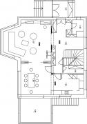 Návrh Anny Šlapetové – dispozice 1.NP zůstaly zachovány, ale autorka prostory ještě více propojila: původně byly vedle kuchyně dva sklady, nyní je tu jen jeden. Kuchyně nebyla otevřená kjídelně, chodilo se doní přes přípravnu uschodiště.