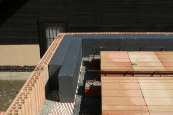 Instalace tepelné izolace do věnce