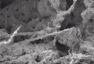 """Omítka disponuje optimální mikrostrukturou, díky které dosahuje vynikající paropropustnosti a může volně """"dýchat"""""""