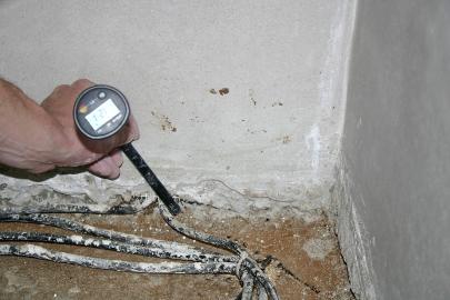 Netěsný prostup kabelu