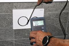 Proudění vzduchu u tlačítek předsazeného modulu WC