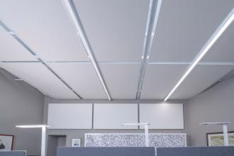 Knauf Cleaneo Single Smart se vyznačuje vysokou pohltivostí zvuku a díky velkému absorpčnímu efektu zajišťuje velmi dobré akustické podmínky v místnostech, kde je instalován