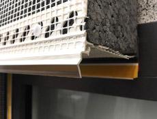Transparentní atikové a zakončovací profily od HPI-CZ neruší barvu fasády
