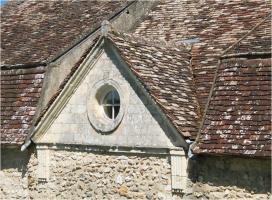 Štít domu s renesančními prvky