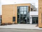 Veleň otevřela novou školu. Postavila ji společnost HSF System