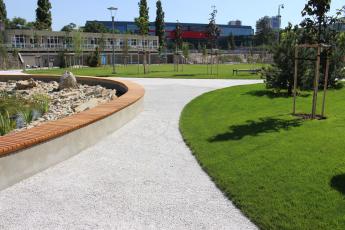 Cestička z drenážního betonu ZAPA DROP, městský park Jama v Bratislavě