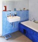 Obr. 19: Rodinný dům v Čelákovicích; c – tadelakt v koupelně