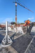 SKY-kotva pro bezpečné uvázání montéra a jeho zajištění proti pádu z výšky při bednění stropů shora