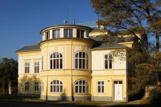 Nejzajímavější objekt – PREFA falcovaná šablona 29x29 – Zámek, Dobřenice – Pario, Hradec Králové