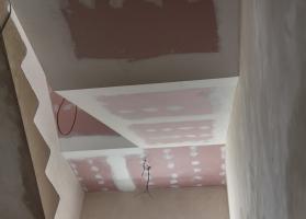 Rekonstrukce schodiště s opláštěním z protipožárních desek Knauf Red Piano