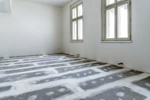 Nově položená suchá sádrokartonová podlaha F146