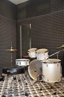 Akustický koberec a akustický obklad stěn v učebnách hudební školy