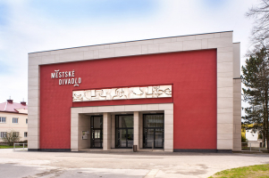 Divadlo, Žďár nad Sázavou – kreativní technika strukturování zubovým hladítkem