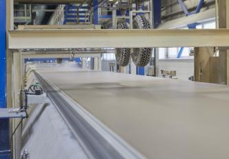 Výroba sádrokartonových desek Rigips v Horních Počaplech