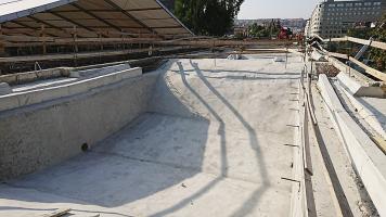 Prostor mezi oblouky bude po položení hydroizolace vyplněn mezerovitým betonem