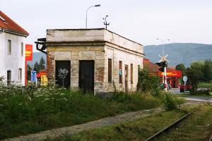 Konverze zastávky na trati Ostrov–Jáchymov