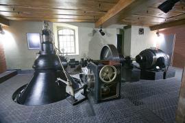 Neméně důležitým technickým prvkem objektu je malá vodní elektrárna z roku 1932