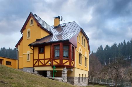 Ukázka obnovené fasády – Lučany nad Nisou